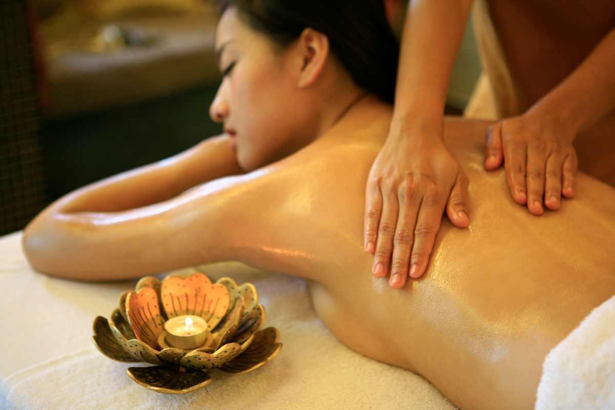 massageklinik århus hård sex video yoni massage med lingam